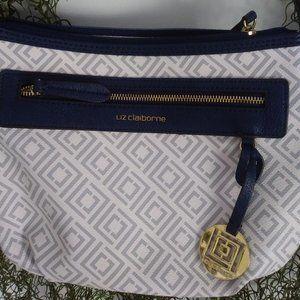 !!SALE!! $35 Classic Liz Claiborne Handbag**👜